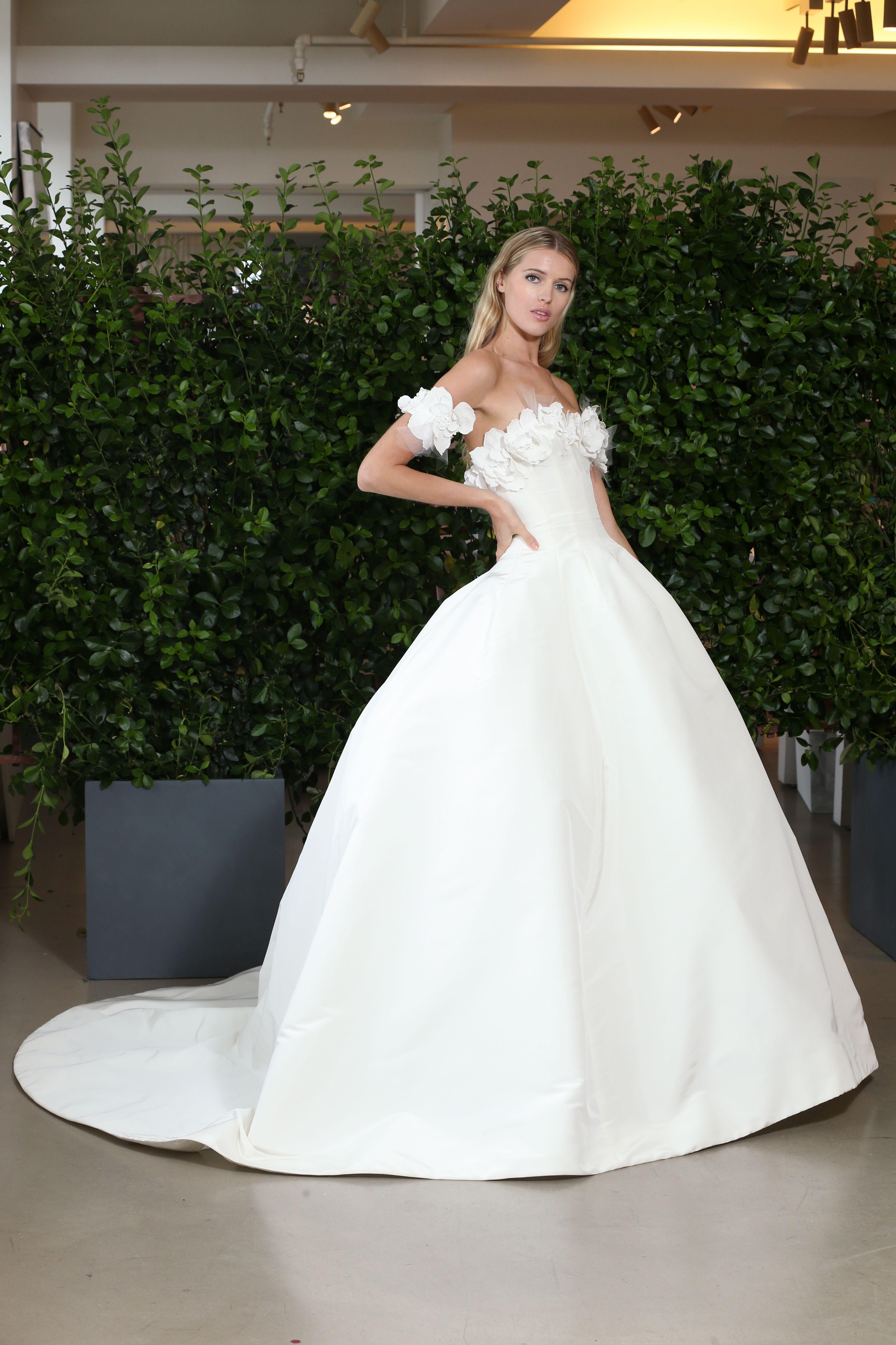 Oscar De La Renta Bridal Spring 2019 Bridal Style