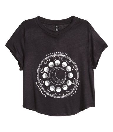 444cf4ad0766 Black and white cropped graphic zodiac tee with moon print. | H&M Divided