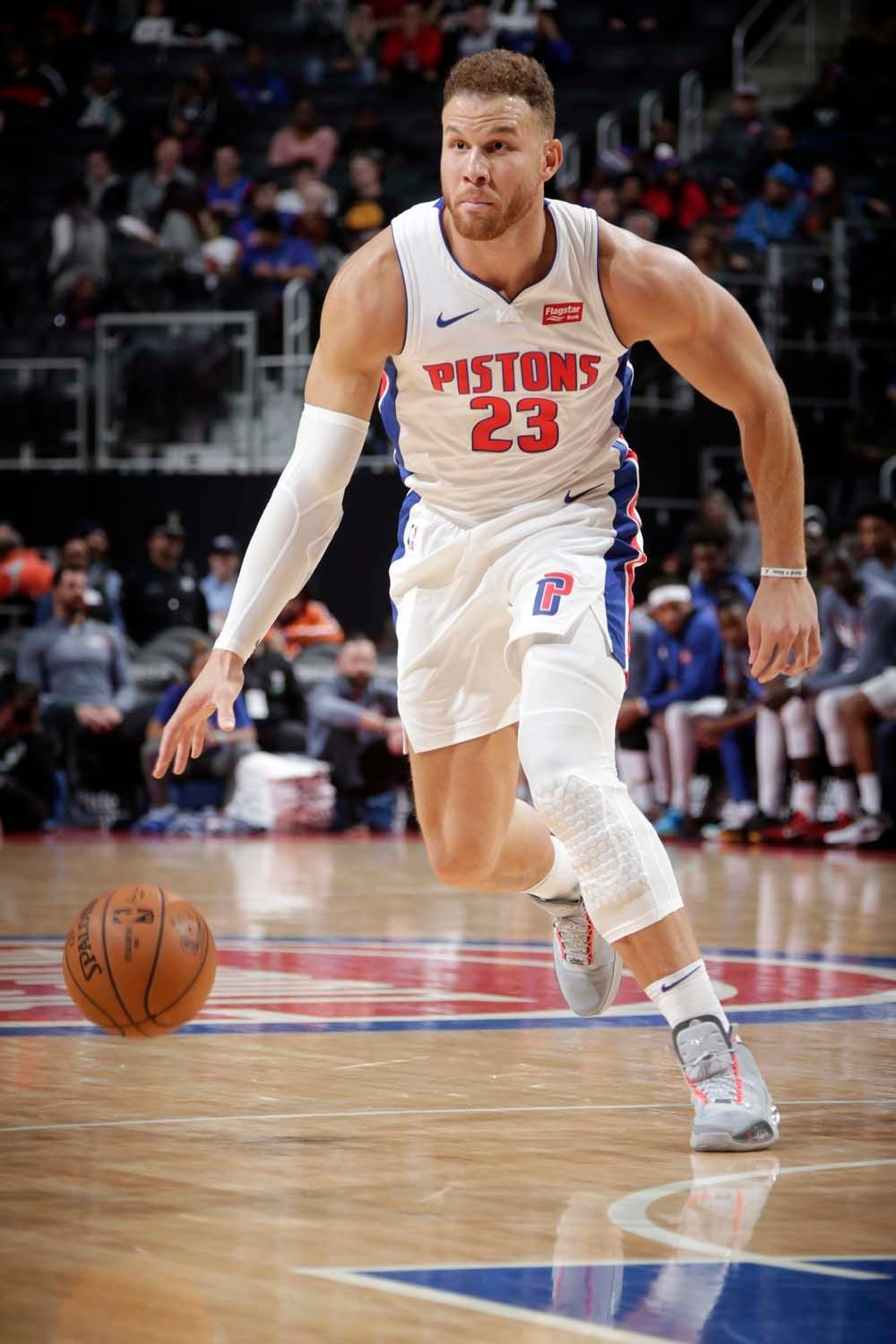 La Clippers Trade Blake Griffin To Detroit Pistons Jan 29 2018 Blake Griffin Detroit Pistons Lebron James Kobe Bryant