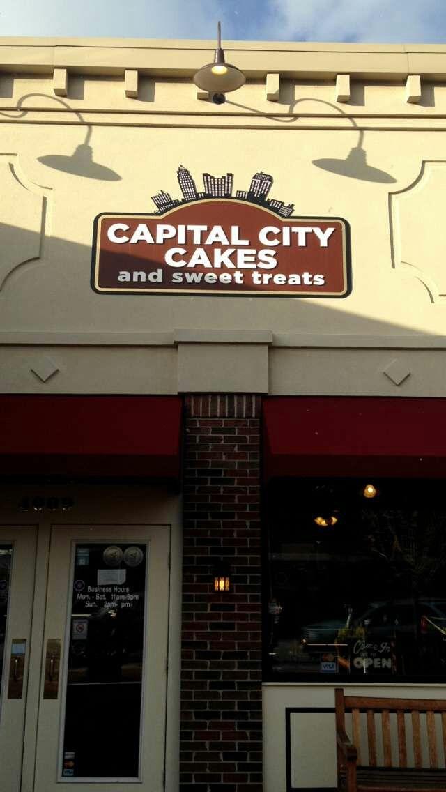 Capital City Cakes Grove Ohio Grovecity Desserts Cupcakes Blog Blogger Review Restaurant Blogging