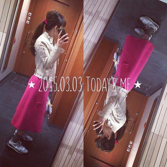 xxtomo.coxx▸◂ 3/3 ピンク多めな昨日は、スカートも#ピンク  ⋆ Riders.#Nonamescene Tops.#lecielbleu Skirt.#lecielbleu Socks.#RalphLauren Sneaker.#NIKE Bag.#GENTILBANDIT Hair gom.#Ludlow ⋆ ⋆ ⋆ ⋆ ⋆ #パー子スカート #ハイパーピンク #ショッキングピンク #蛍光ピンク #pink #tomokootd