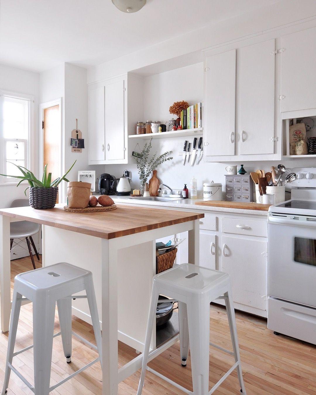 O branco nunca sai de moda e ainda faz com que a cozinha pareça mais ...