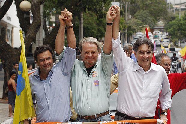 Aécio Neves, Marcio Lacerda e Fernando Pimentel em evento da campanha de 2008