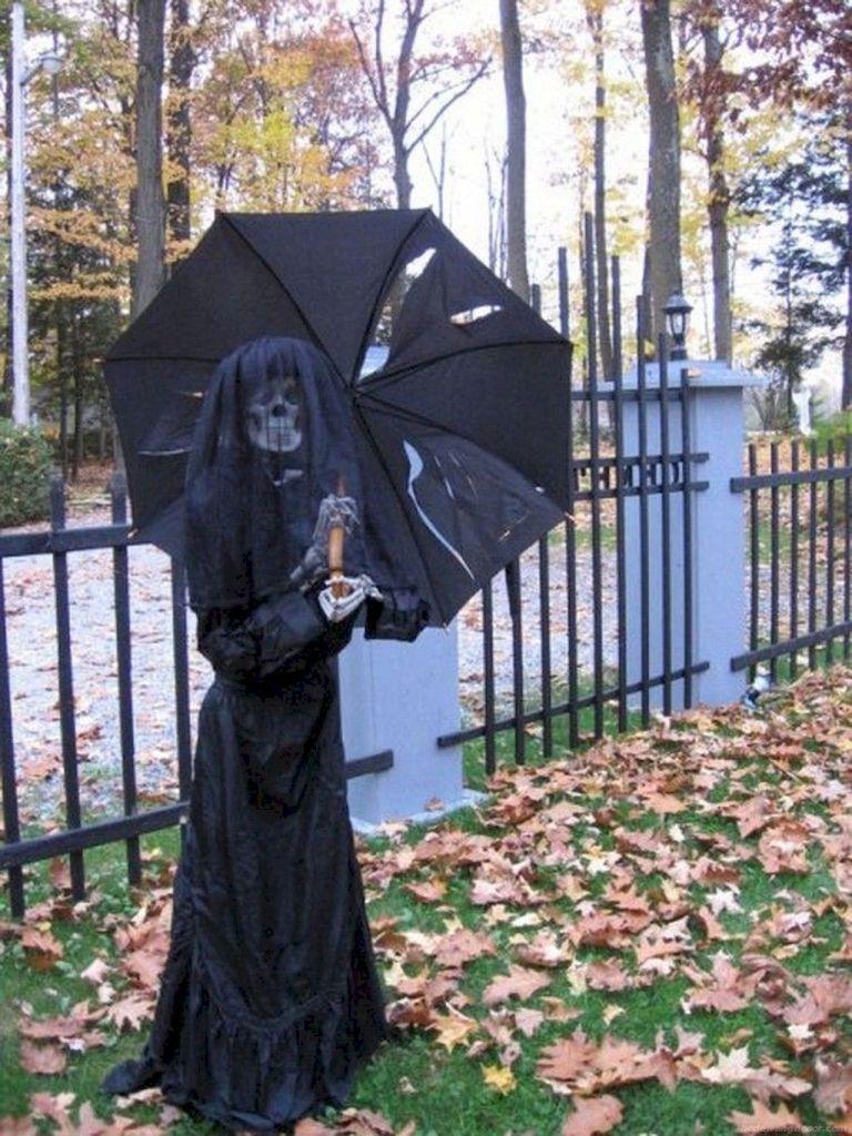43 Beautiful Outdoor Halloween Decoration Ideas Halloween Garden Outdoor Halloween Halloween Diy Outdoor
