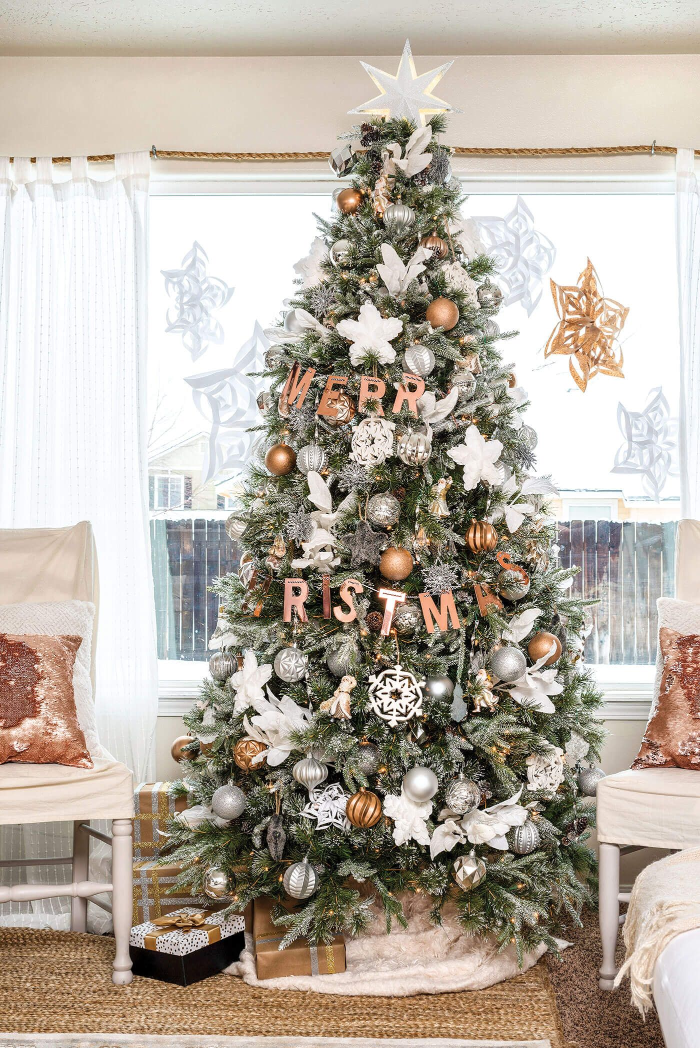 Tour A Christmas Home Full Of Cozy Farmhouse Decor And Neutral Metallic Christmas Touches Find Farmhouse Christmas Tree Christmas Color Palette Christmas Tree