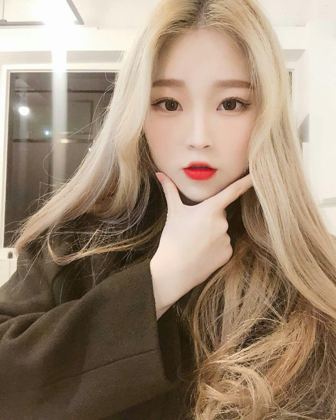 фото азиаток со светлыми волосами только