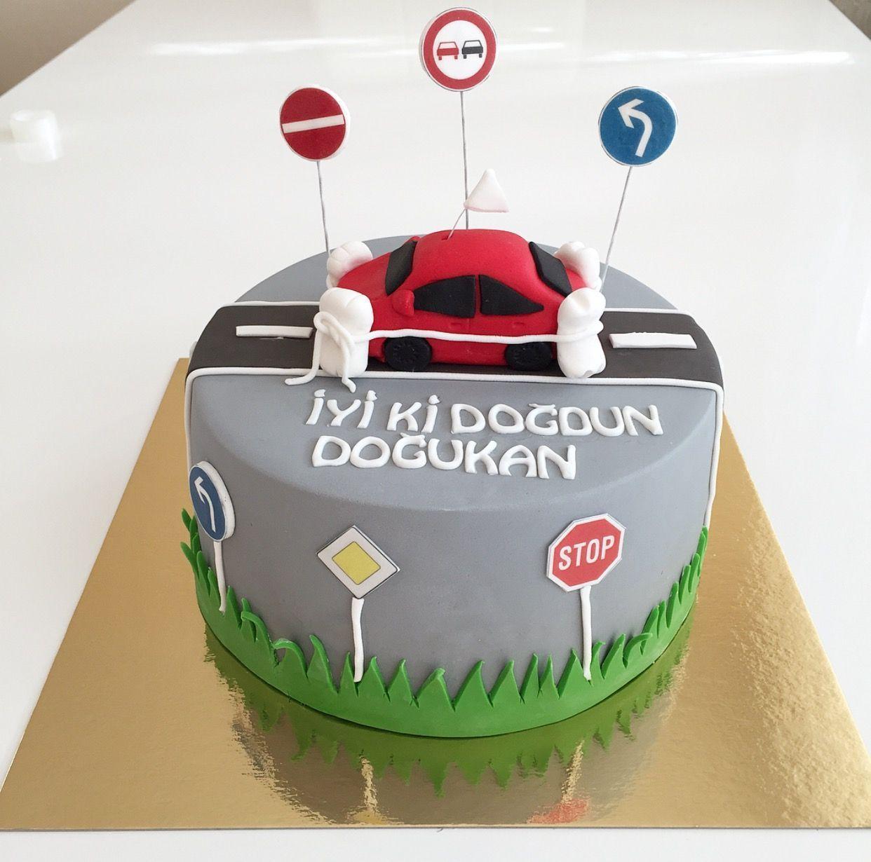 Fhrerschein Tortefuhrerschein Torte Cars Kuchen Kuchen Kuchen Ideen
