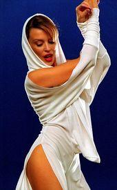 , Kylie Minogue weißes Kostüm-Outfit des australischen Popstars  Google zoeke #colorful #photooftheday #cute #picoftheday, My Pop Star Kda Blog, My Pop Star Kda Blog
