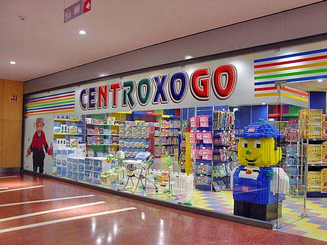 Loja Do Centro Comercial Ferrara Plaza Paços De Ferreira Portugal Times Square School