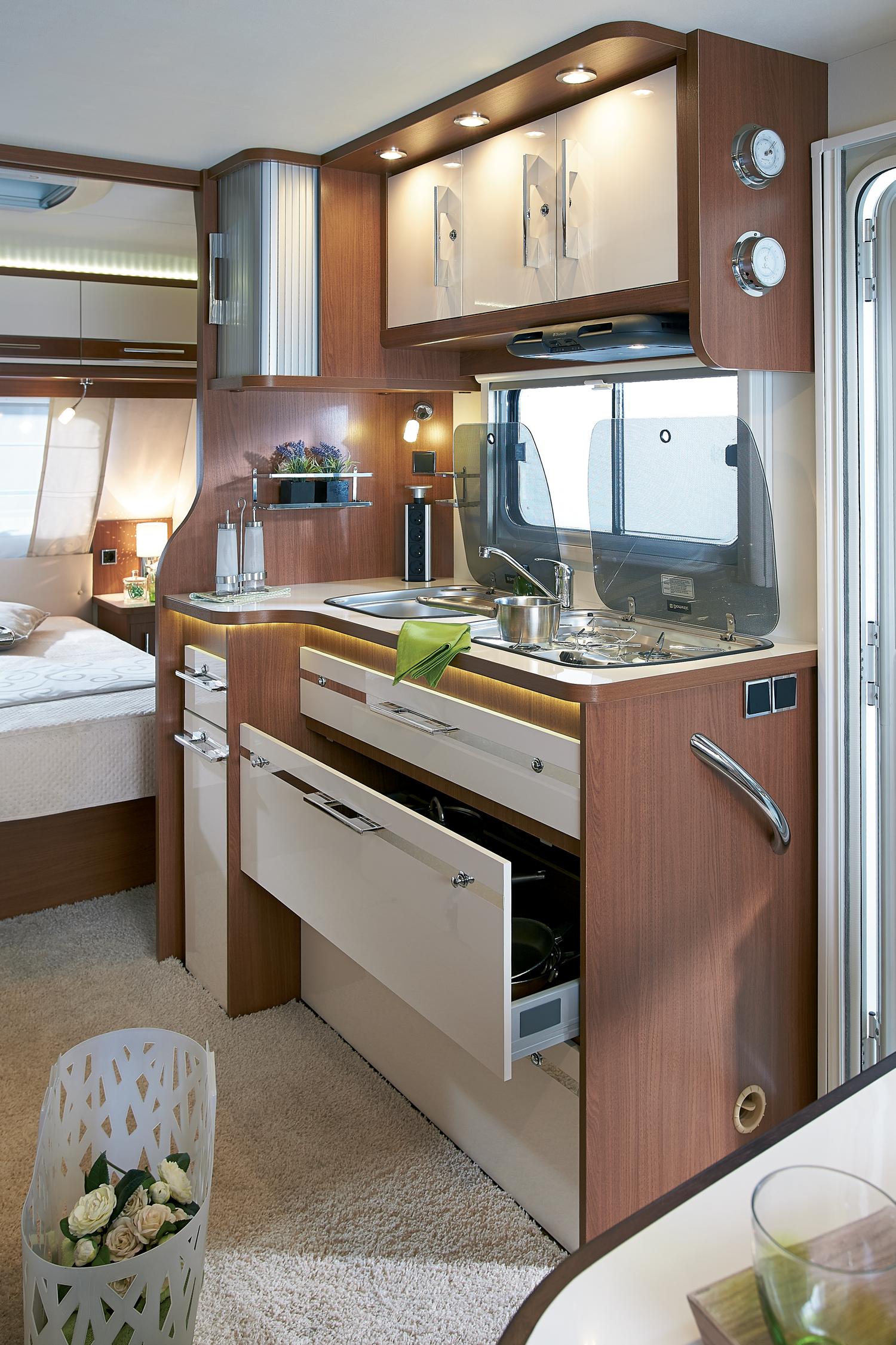 la cuisine toute quip e gamme excellence pinterest cuisine tout quip e caravane et. Black Bedroom Furniture Sets. Home Design Ideas