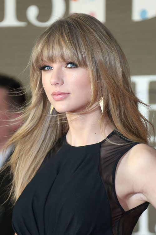 Taylor Swift Straight Ash Blonde Angled Choppy Layers Straight