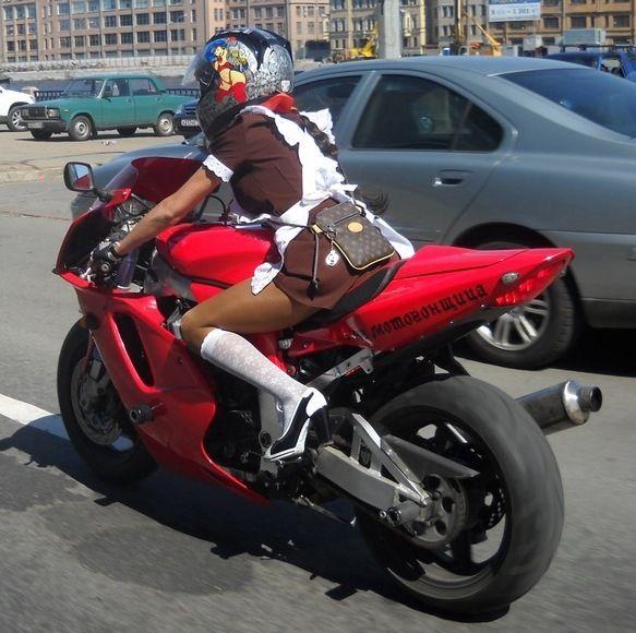 hot-girl-on-motorbike.jpg (583×580)