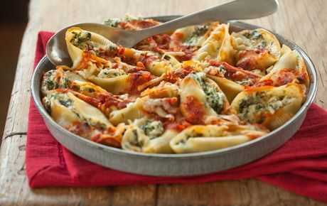 Baked Stuffed Spinach and Ricotta Shells