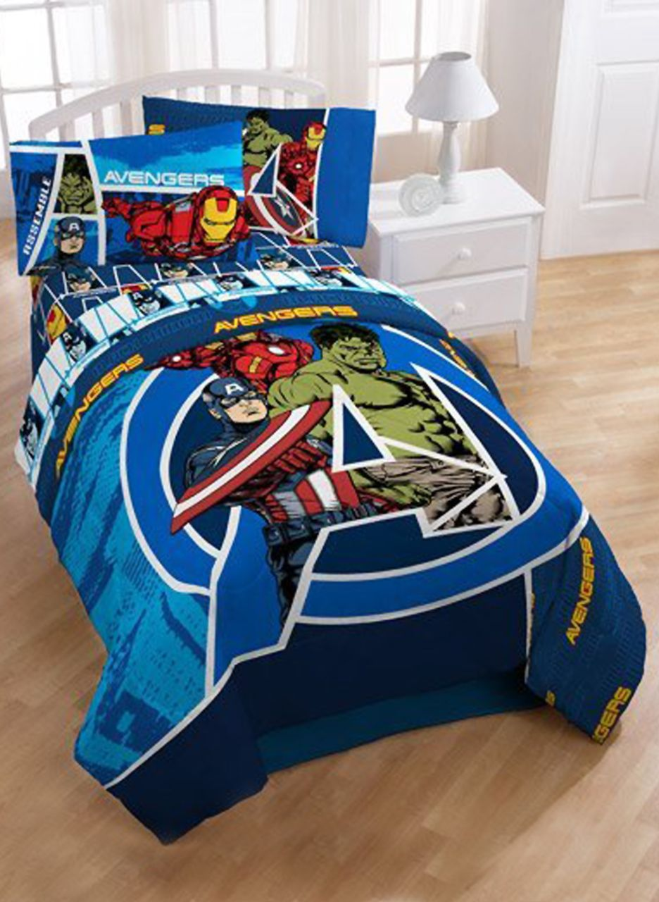 Marvel Comics Avengers Assemble Twin Full Comforter Featuring Iron Man Captain America And Hulk Herowiz