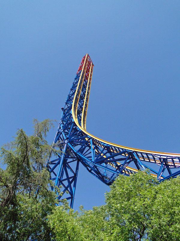 Superman Escape From Krypton Six Flags Magic Mountain Valencia California Usa Six Flags Nightlife Travel Tower Of Terror