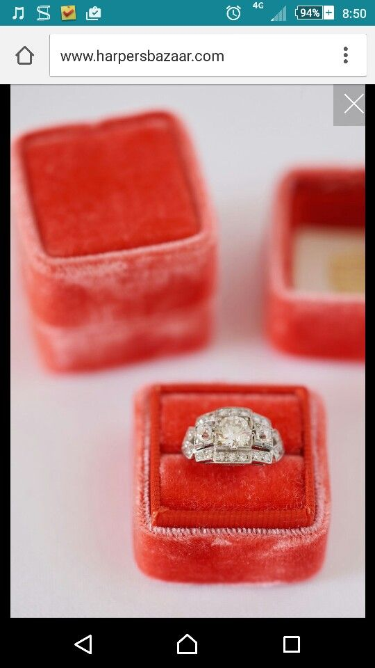 Beautiful vintage ring - triple round centre stones & fragmented pave halo