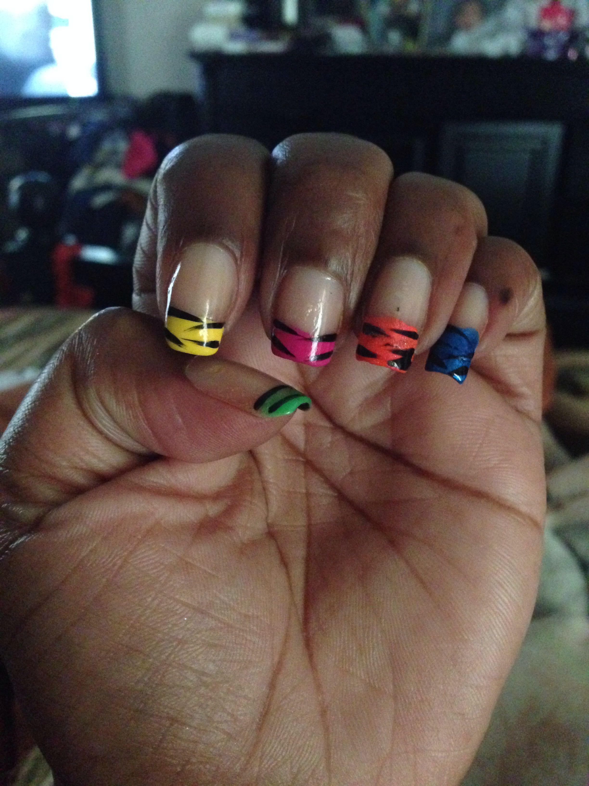 Multi color tips with zebra stripes