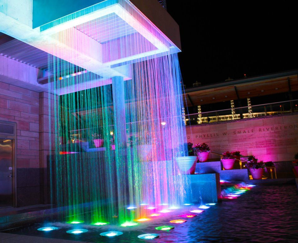 Phyllis Smale Riverfront Park Cincinnati Every House Needs One Of These Downtown Cincinnati Riverfront Fountain Lights
