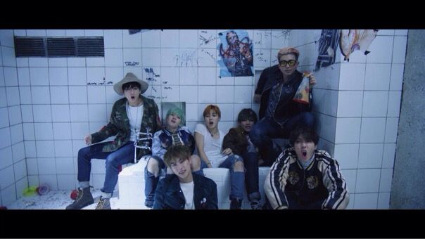 BTS Run MV