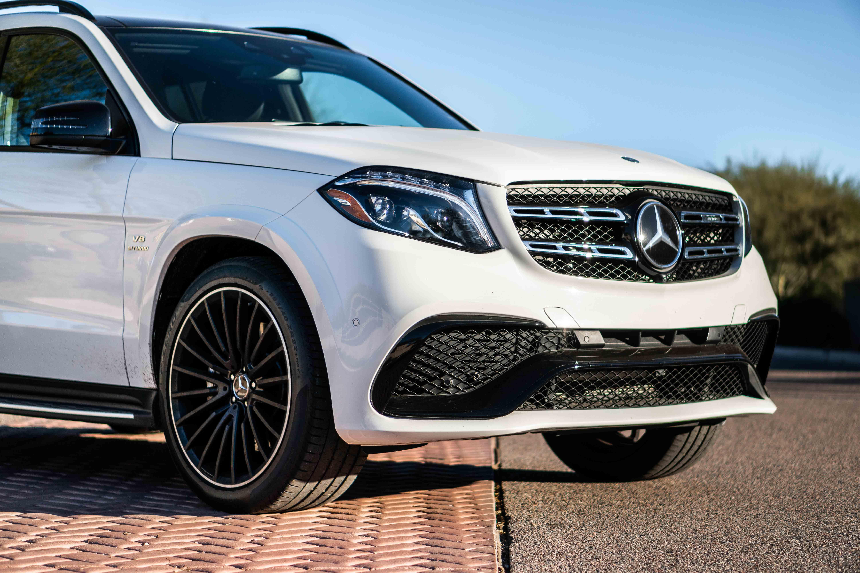 2019 Mercedes Benz Amg Gls 63 Is Absurd In The Best Ways Mercedes Benz Amg Mercedes Benz Mercedes Suv