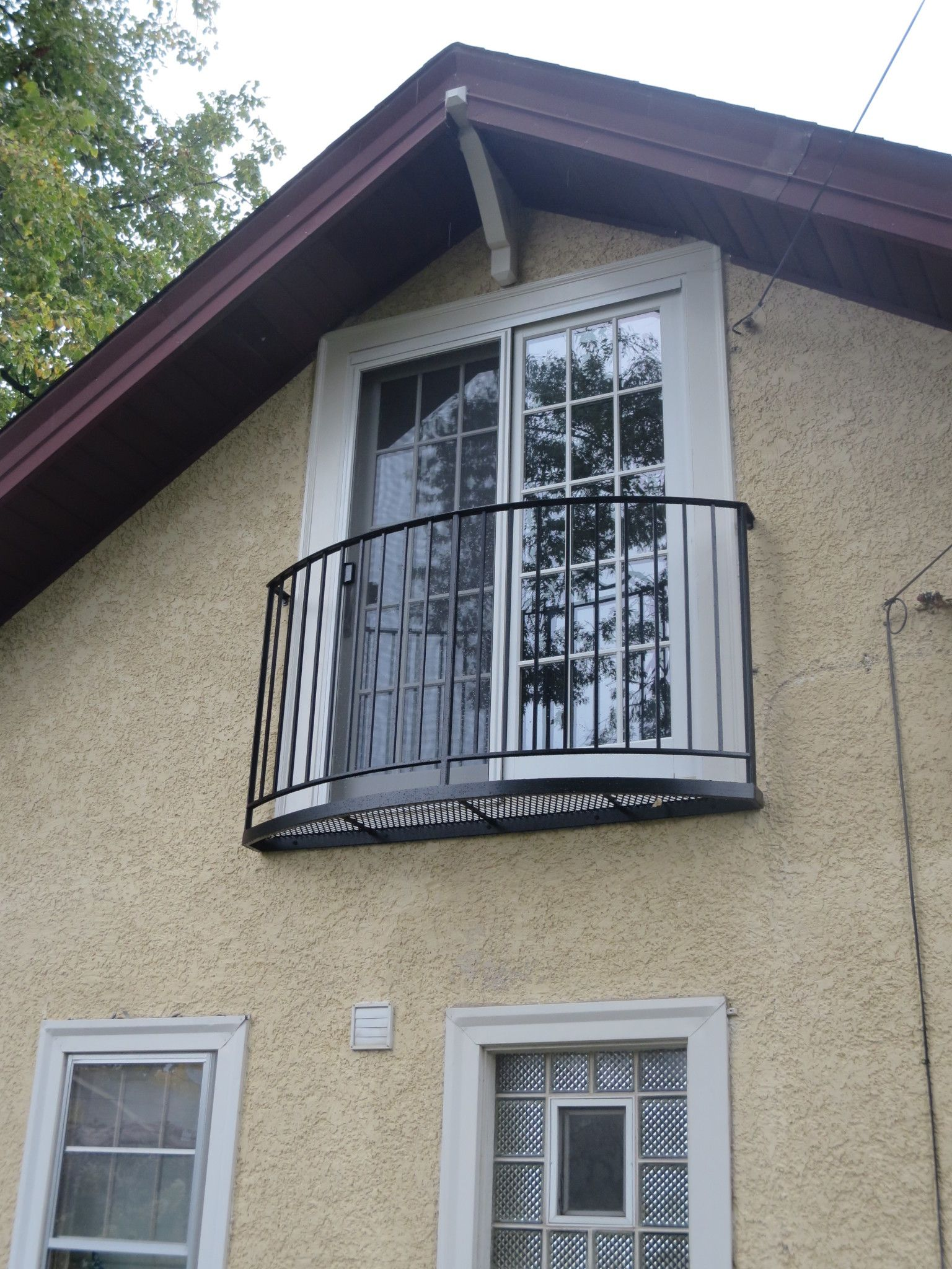 Wrought iron juliet balcony french juliette balconies for French balcony