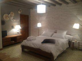la chambre des parents carole et francois m6 parement bois pinterest chambre des parents. Black Bedroom Furniture Sets. Home Design Ideas