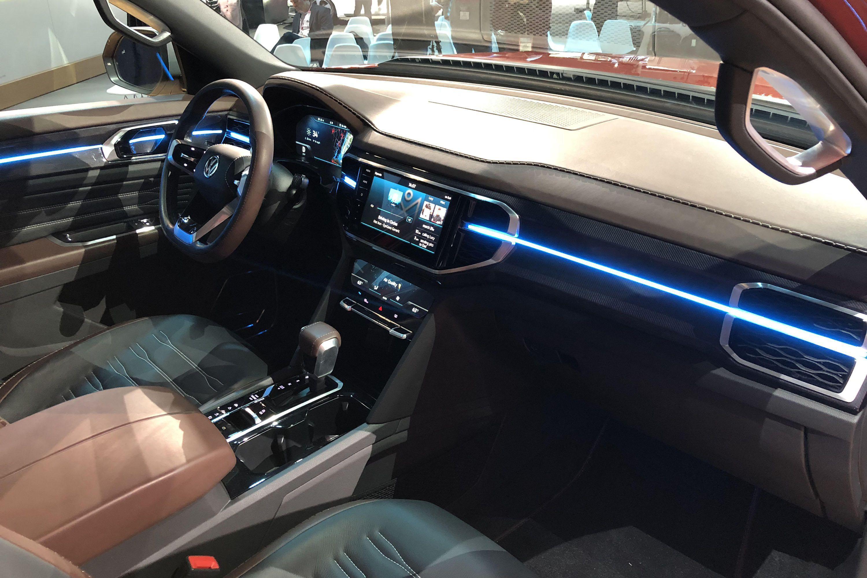 Volkswagen Atlas Tanoak Concept Volkswagenamarok Volkswagen Pickup Trucks Vw Amarok