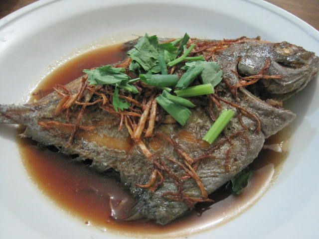 Fish dinner recipes of deep fried black pomfret with for Fish dishes for dinner