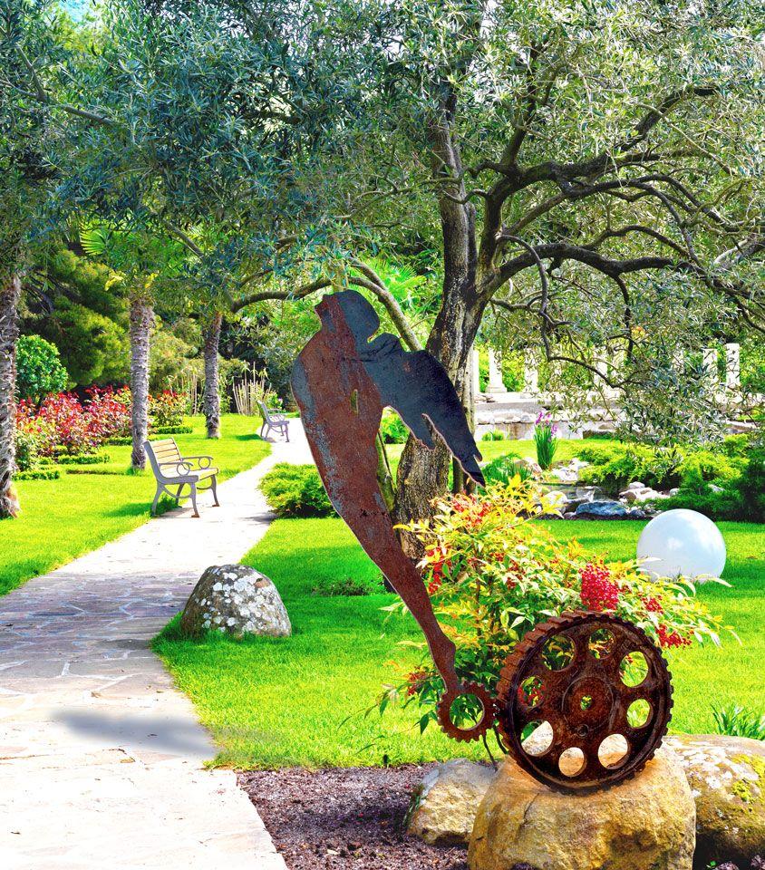 Oracle, Garden Sculpture  #artforhome #gardenart #uridushy #gardensculptures #publicsculptures #metalsculptures