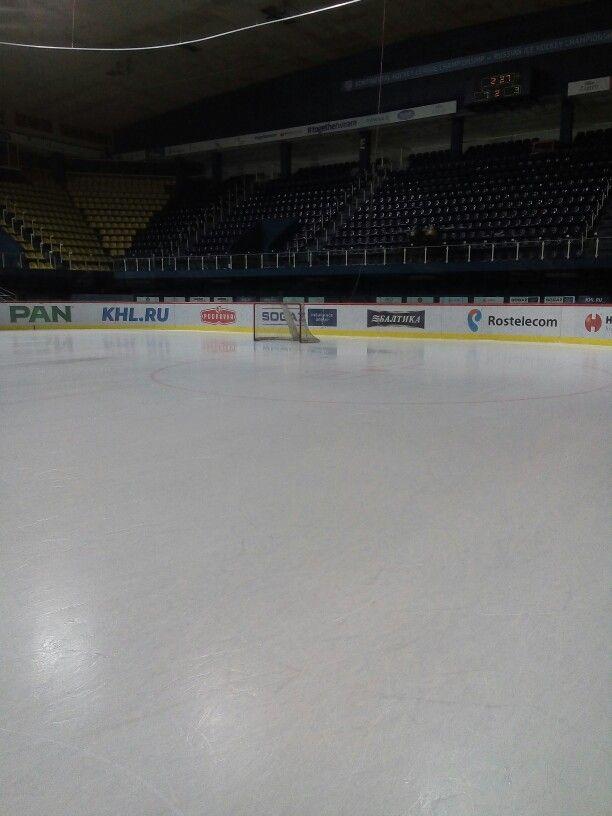 Empty Ice And Goal Net Goal Net Ice Rink Hockey Rink