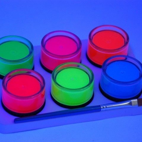 Fundraising party partners mish disco products like glowsticks, led lights, flashing toys, inflatables for school fairs, suits group fundraisers groups like schools, sports, charities, churches, clubs