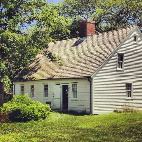 Temps This Morning Have Me Dreaming Of June Tbt At Windmill Lane Colonial House Charming House
