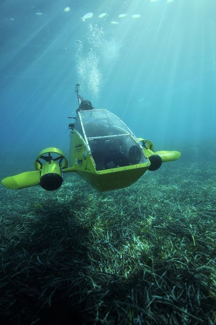 Electric Scubster personal sub dives into crowdfunding pond By Paul Ridden - 8/7/15
