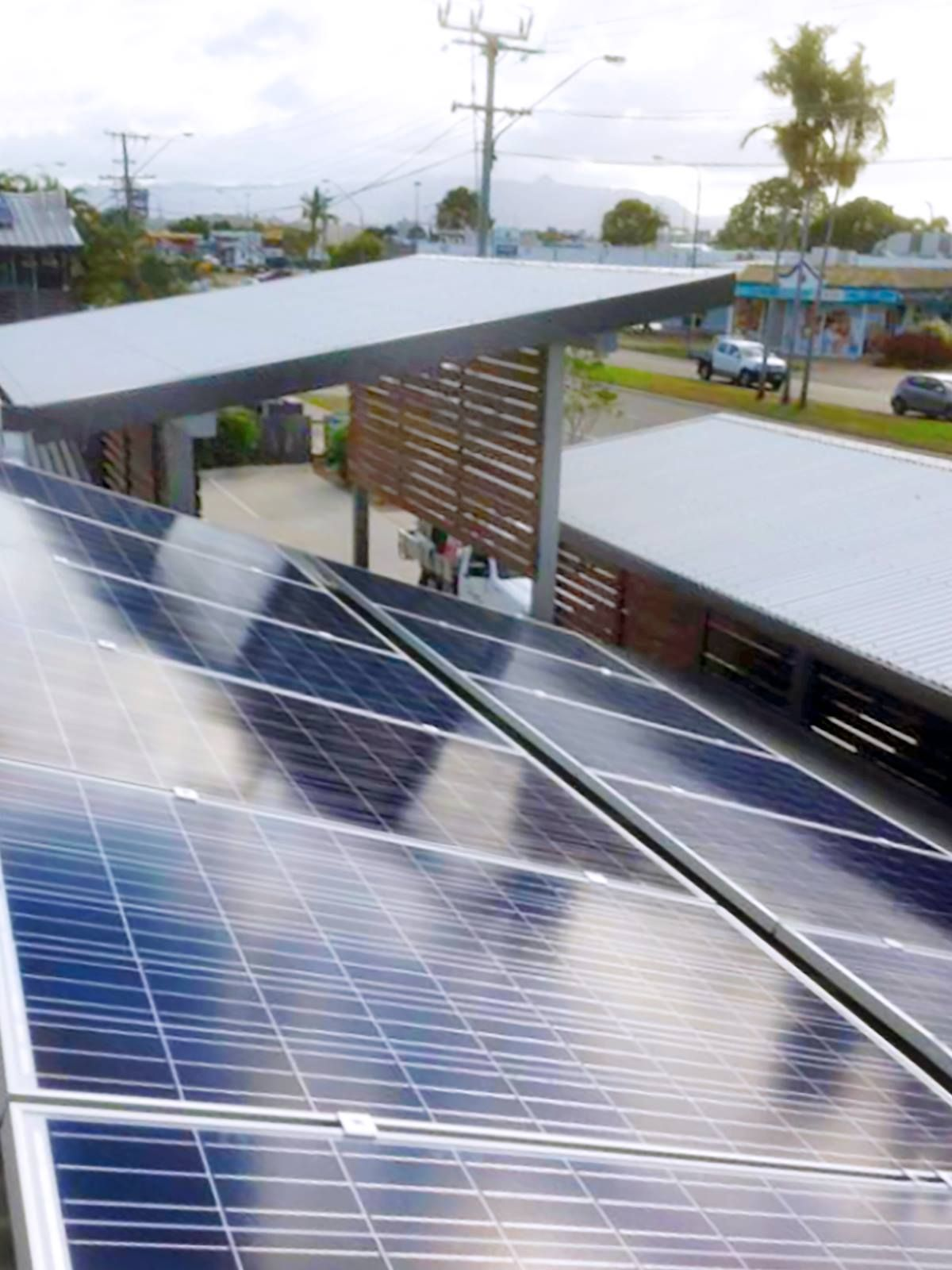 A 12kw Yingli Solar System And Daily Dose Of Sunshine Are About All The Doctor Needs To Power Kirwan Family Pract Solar Solar Projects Solar Panel Installation