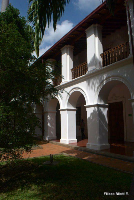 Caracas, F.B.Palacio de las Academias.