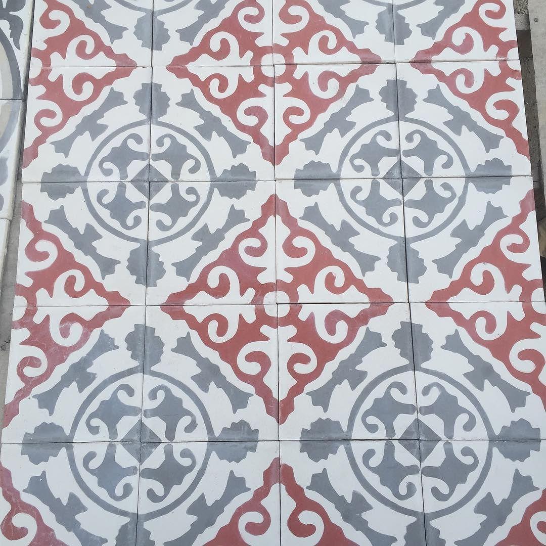 Diseño micos r/g #mosaicoshidraulicos #madeinMexico #mosaicodepasta #arqmx #art #artesanal #baldosas #cementtiles #carreauxdeco #design #decoracion #fliesen #floor #handmade #ihavethisthingwithfloors #interiordesign #tileaddiction #tiles #mosaicos #baldosas #loseta #losacriolla #cholula #ihavethisthingwithbathrooms #concretetiles #instatiles by heclops