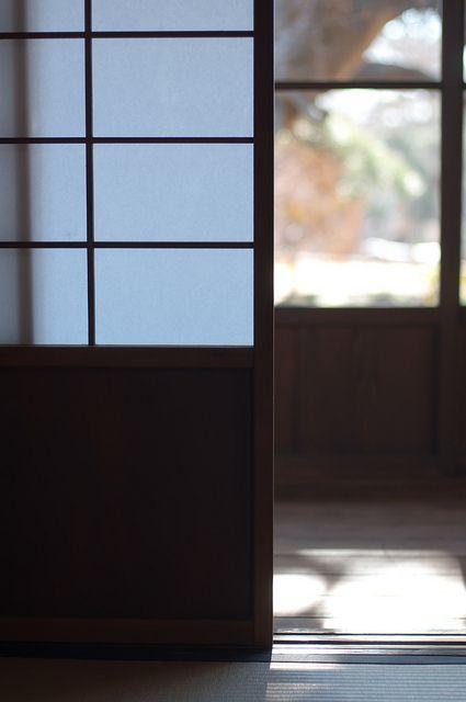 shōji bedroom closet doors and shoji screen