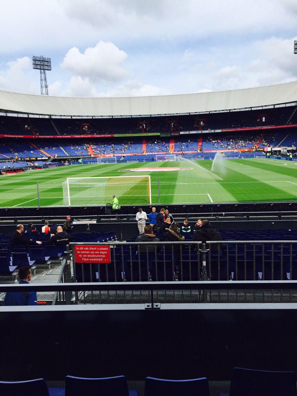 In de kuip tijdens Feyenoord vs Go Ahead