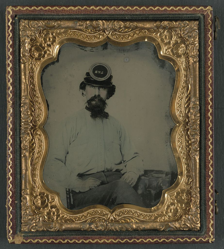 (c. 1861-1865) Soldier in Confederate uniform and LVR kepi