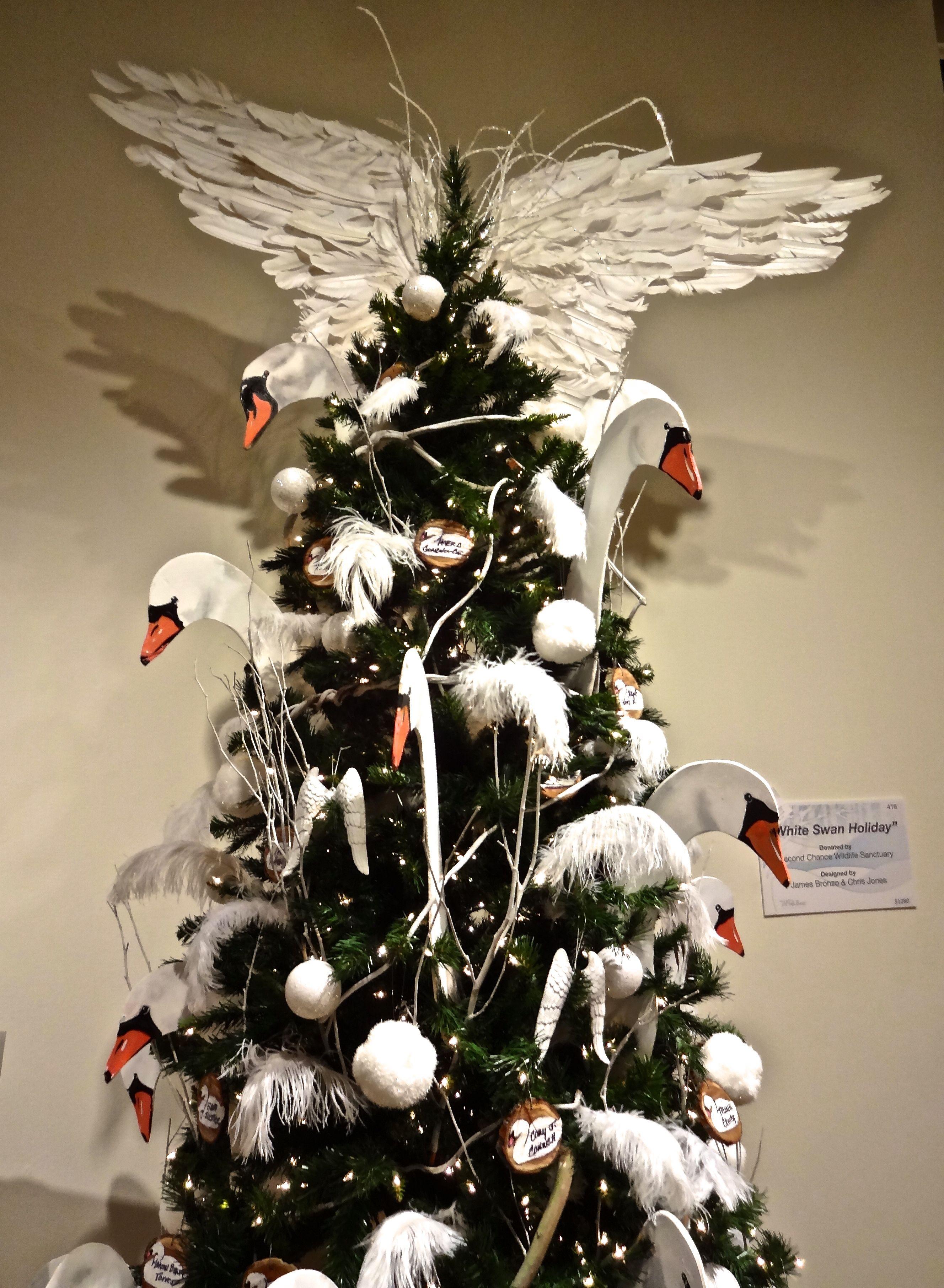 White Swan Christmas Tree At Oma Festival Of Trees In 2020 Orlando Museum Of Art Florida Christmas Christmas Tree