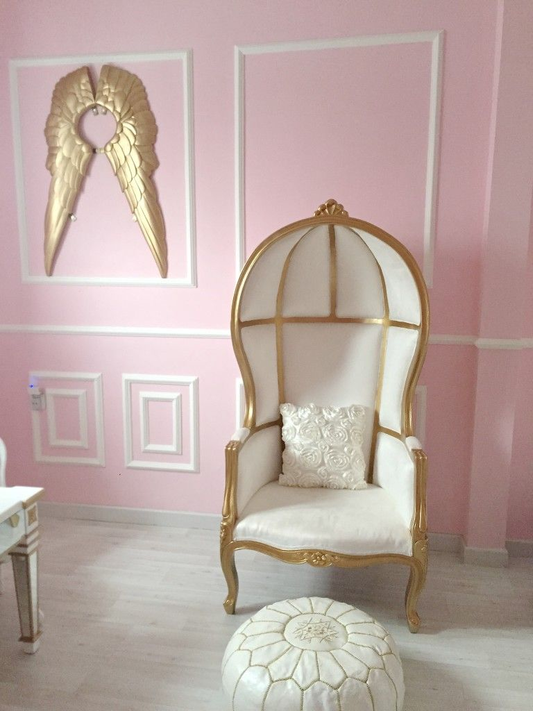 Malonau0027s Pink And Gold Classic Parisian Nursery