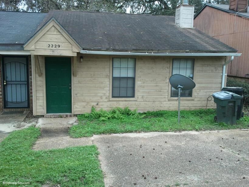 2229 Treeo Lane Tallahassee FL 32301 This is a very nice