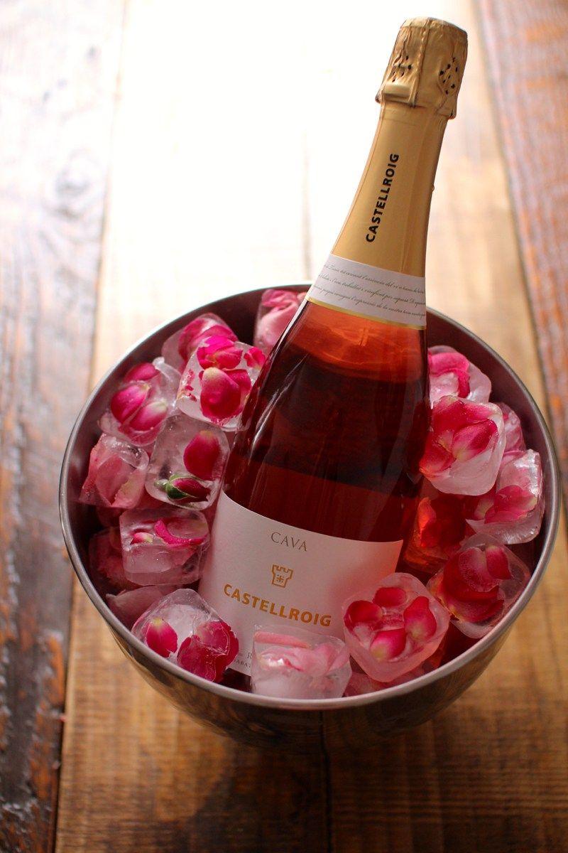 Faca Voce Mesmo Gelos Decorados Para Bebidas Decoracoes Para Jantares Flor De Gelo Jantar Romantico
