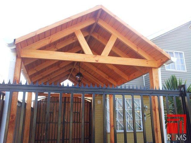 Construccion de cobertizos terrazas p rgolas quinchos for Cobertizo de metal