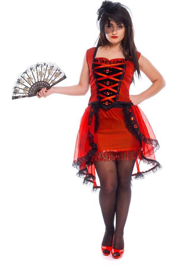 Прекрасна танцівниця  кабаре   Beautiful cabaret dancer #burlesque #cabaret #beautifulcabaretdancer