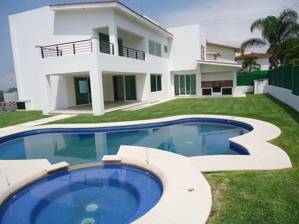 Cocoyoc bienes ra ces vende preciosa y moderna casa en for Jacuzzi casa moderna