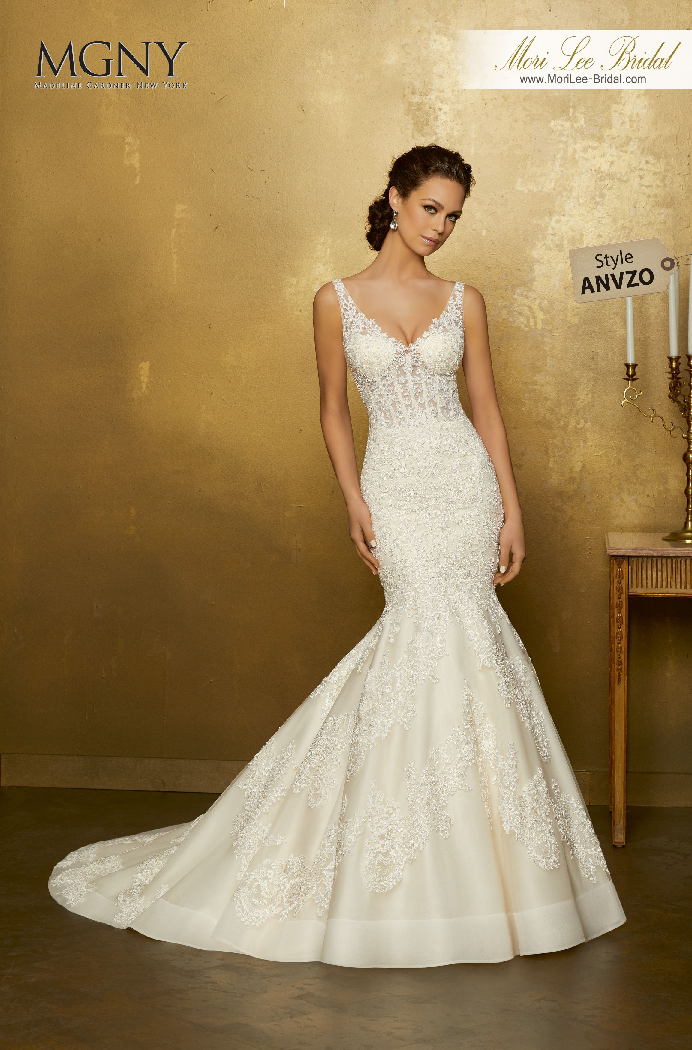 Style ANVZOOrpheaFrosted, re-embroidered lace appliqués on a tulle ...