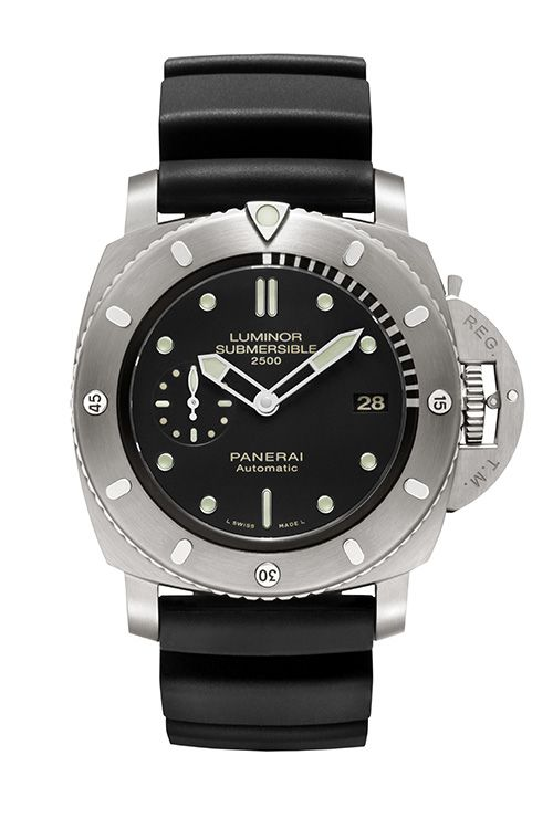 Officine Panerai the Luminor Submersible 1950 2500m 3 Days Automatic Titanio - 47 mm (PR/Pics http://watchmobile7.com/data/News/2013/02/130226-officine_panerai-LUMINOR_SUBMERSIBLE_1950.html) (1/3)
