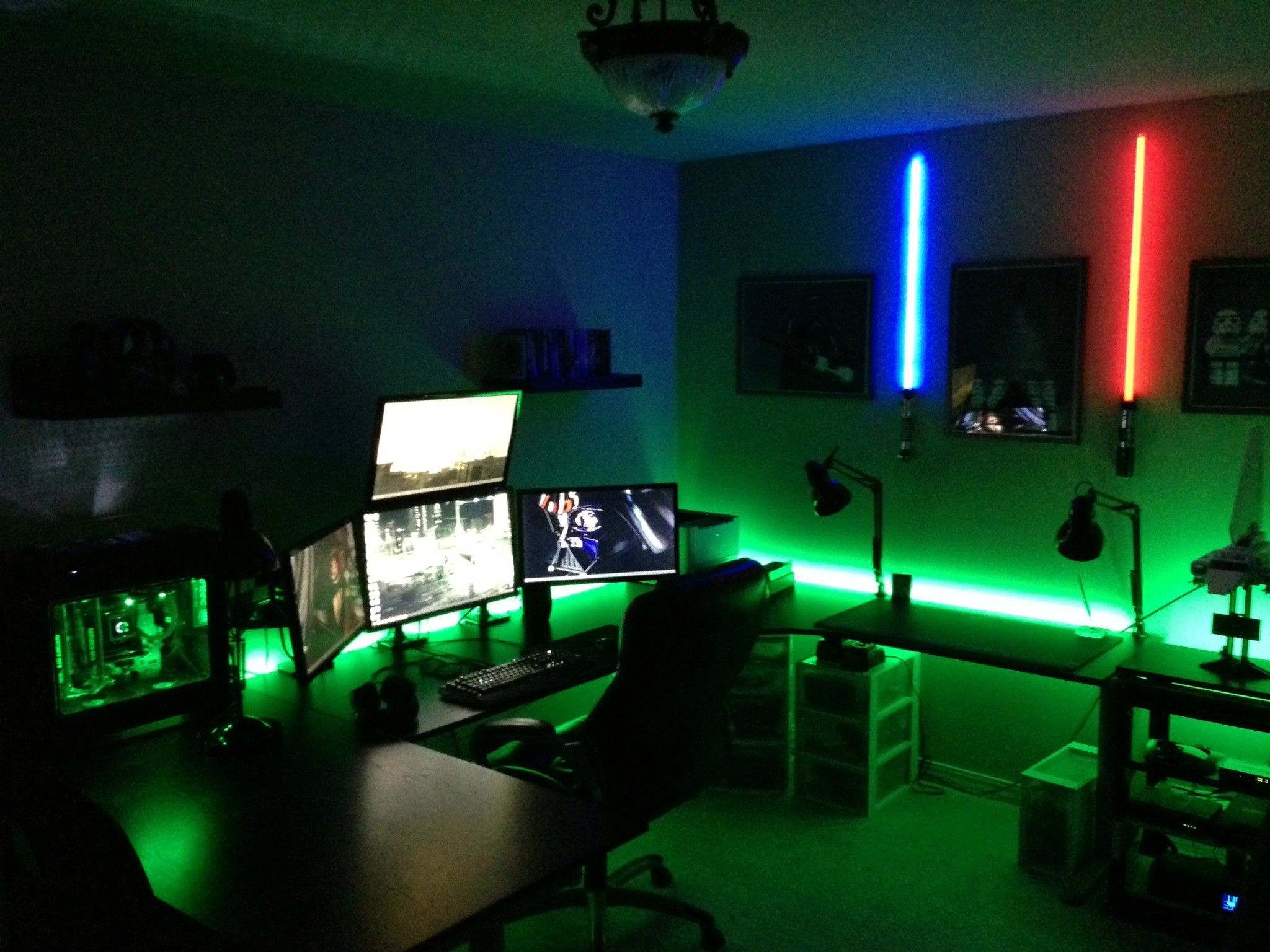 Beauteous Computer Lab Room Design With Indoor Green Shades Of Amazing Setups And Gaming Lighting Light Along Game Room Decor Video Game Rooms Video Game Room