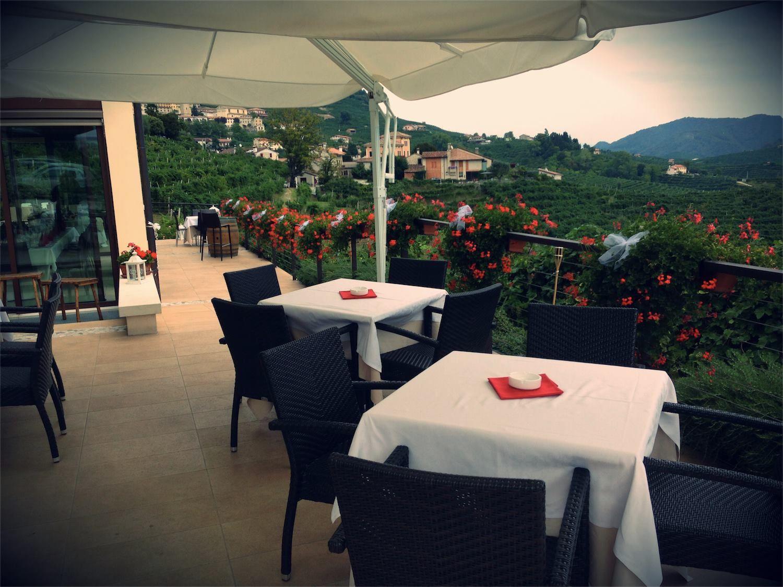Al Salìs Ristorante Enoteca potrete gustare, oltre ai vini della zona, le specialità dello chef, create con passione e attenzione ai prodotti della nostra terra.  http://www.guidaprosecco.com/html5/1024-Salis